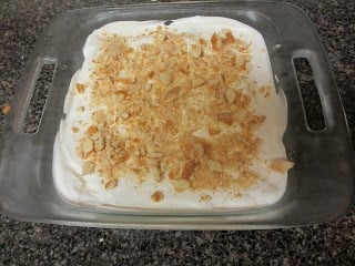 Nilla Wafers Banana Cream Dessert in a clear baking pan.