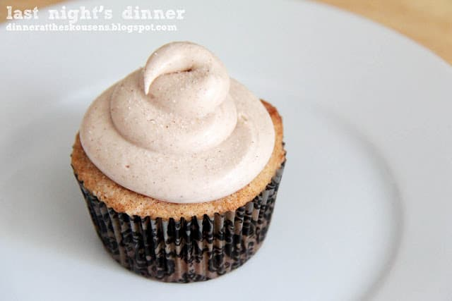 {Guest Post} Churro Cupcakes and a Giveaway!