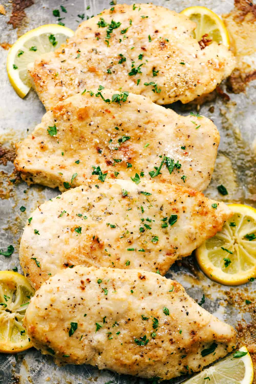 Receta de pechuga de pollo con ajo y parmesano al horno 1