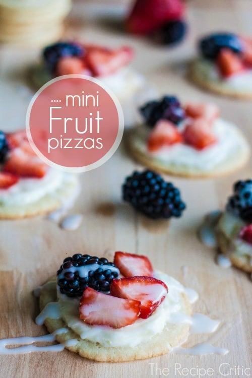 Mini Fruit Pizzas | The Recipe Critic
