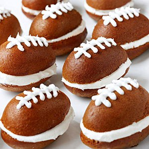 Pumpkin Football Cakes - One of the Best Football Party Snacks and Recipes for the New Season. The Recipe Critic, Alyssa Rivers. Best Game Day Football Snacks, Appetizers & Sweet Treat Recipes!