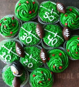 Footbally Field Cupcakes - One of the Best Football Party Snacks and Recipes for the New Season. The Recipe Critic, Alyssa Rivers. Best Game Day Football Snacks, Appetizers & Sweet Treat Recipes!
