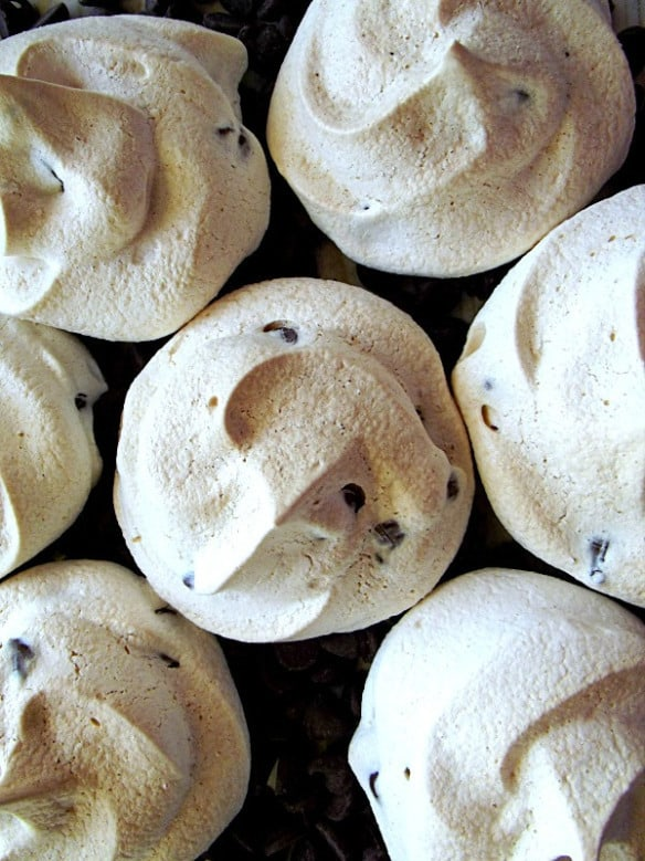 Chocolate-Chip-Meringue-Cookies2