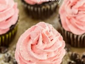 Strawberry-Mousse-frosted-double-chocolate-Cupcakes-685x1024
