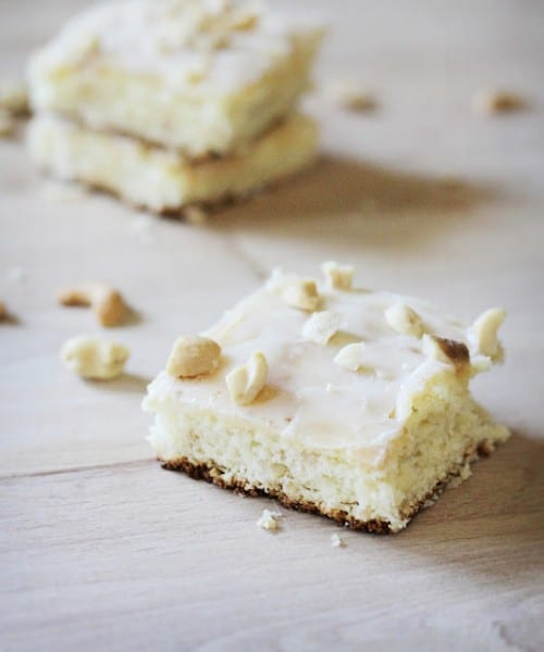 Lemon Cashew Squares - One of the Best Lemon Recipes. The Recipe Critic, Alyssa Rivers.