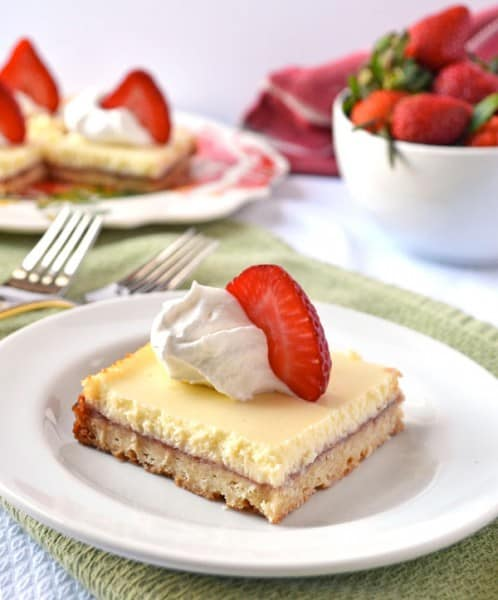 Strawberry Lemonade Bars - One of the Best Lemon Recipes. The Recipe Critic, Alyssa Rivers.