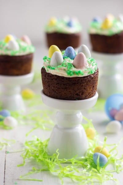 Mini-Easter-Carrot-Cake-Cupcakes-3