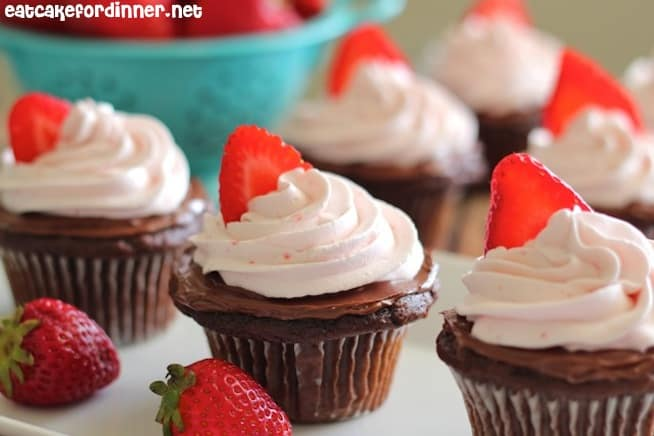 Chocolate Nutella Cupcakes with Strawberry Whipped Cream ...