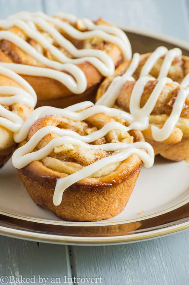 glazed-apple-cinnamon-rolls-2
