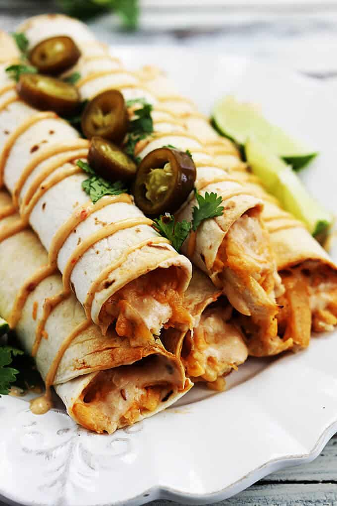 slow-cooker-chipotle-chicken-taquitos-1