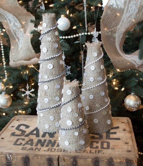 Burlap-Christmas-Tree-Tutorial-1