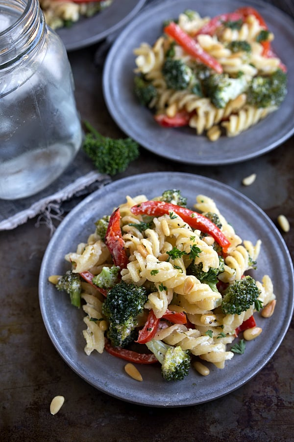... classy dressed-up pasta, but couldn't be too much easier to make