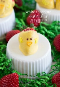 Easy White Chocolate Easter Chick Strawberries