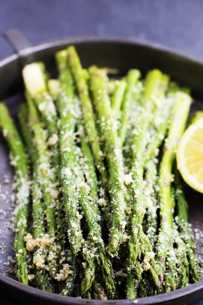 close up of lemon garlic parmesan asparagus