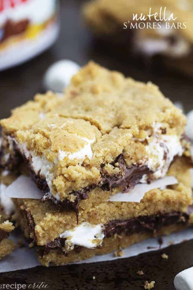 Amazing ooey gooey s'mores bars that have a layer of nutella. They ...