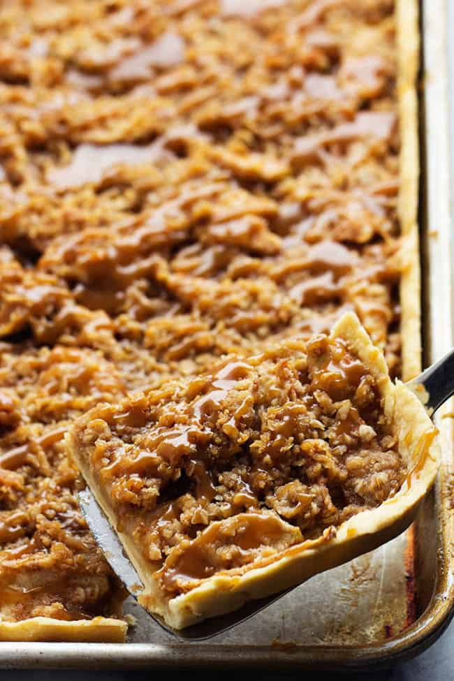 Caramel Apple Slab Pie | The Recipe Critic