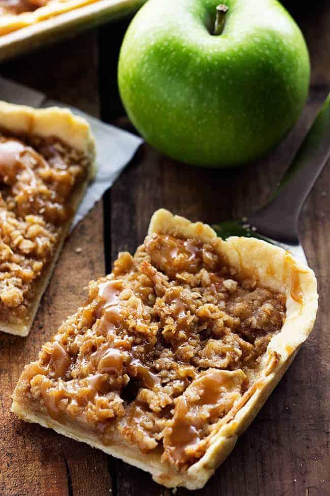 Caramel Apple Slab Pie | The Recipe Critic