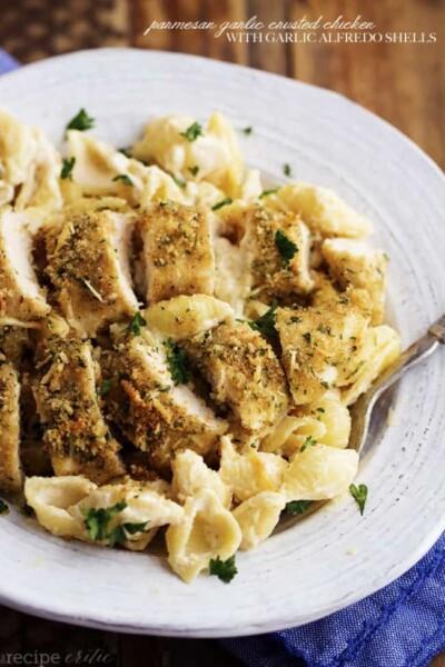 parmesan_garlic_crusted_chicken_with_creamy_garlic_alfredo_shells-650x975-2