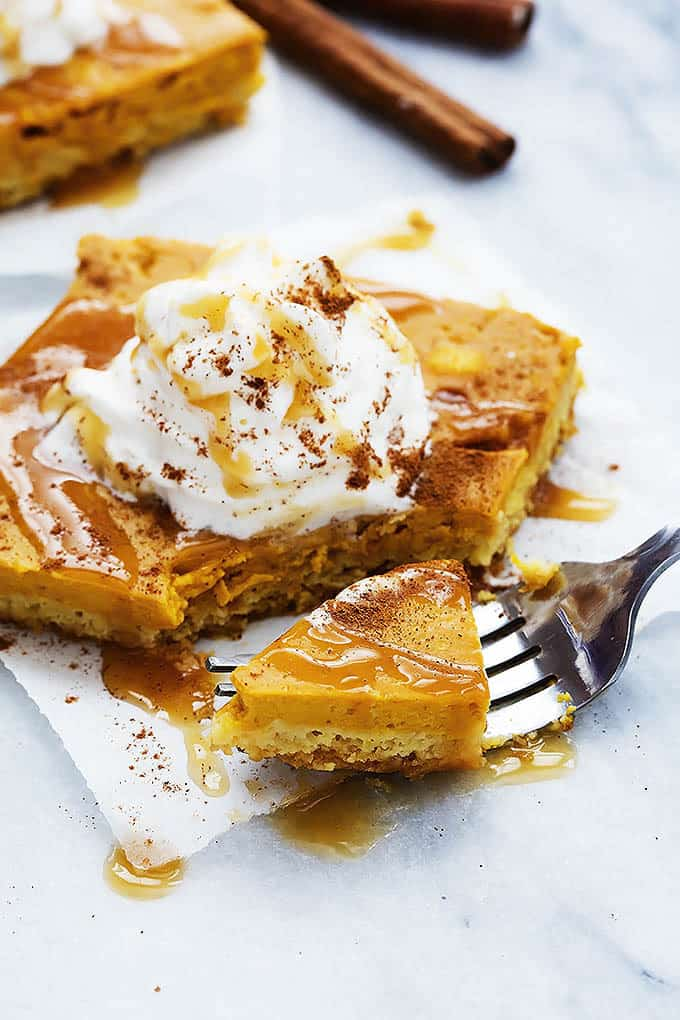 pumpkin sheet cake bite on a fork.