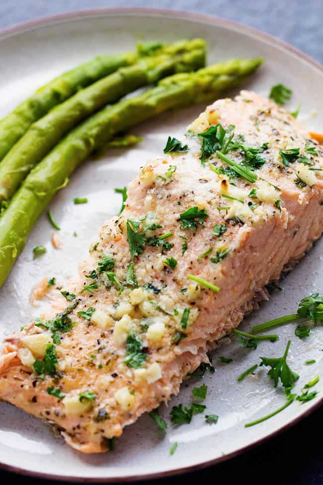 Salmon on a plate with asparagus.