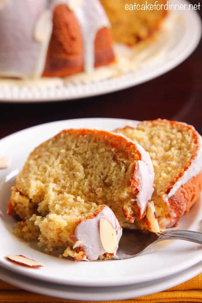 Banana Pudding Bundt Cake with White Chocolate Ganache | Healthy ...