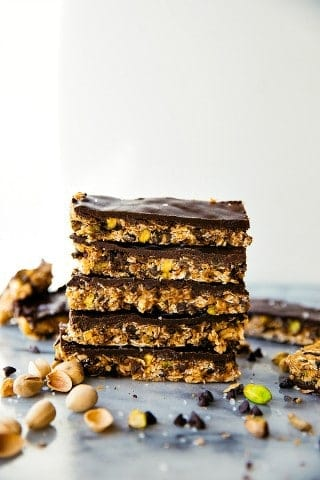 Dark-Chocolate-Pistachio-Granola-Bars