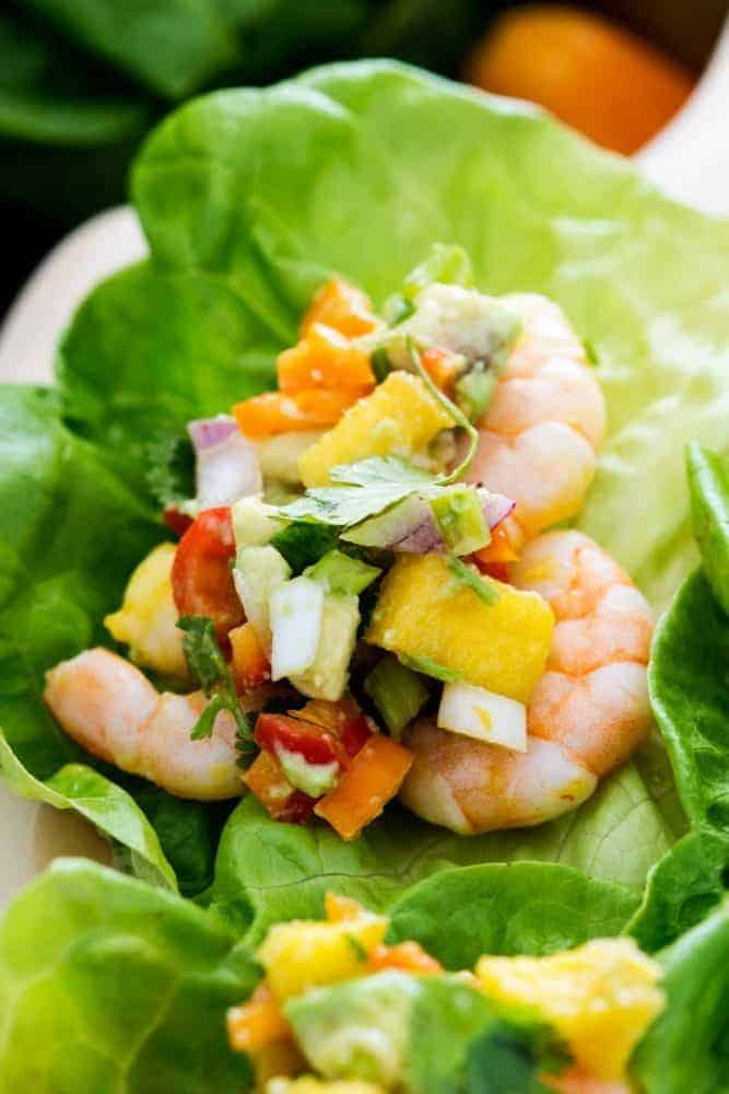 Mango Shrimp with lettuce.