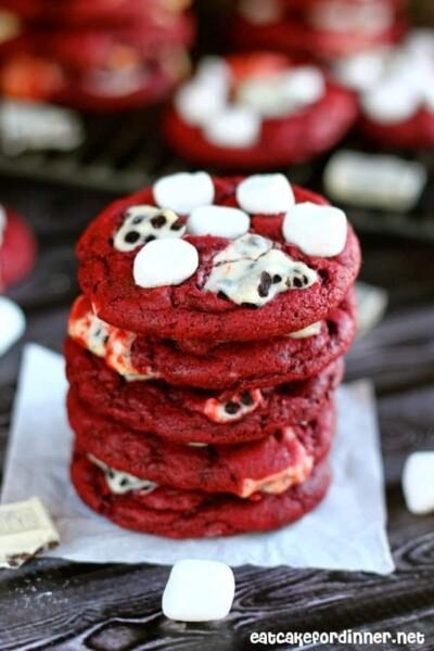 Red Velvet Cookies 'n Cream Cookies