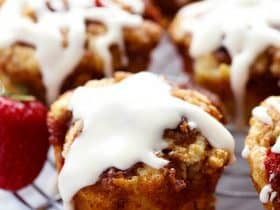 strawberrycinnamonroll3