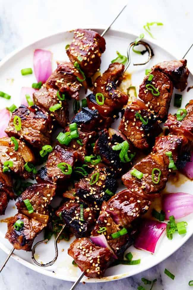 Grilled Asian Garlic Steak Skewers are marinated in a delicious asian ...
