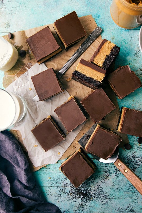 DELICIOUS-AND-SIMPLE-PEANUT-BUTTER-CUP-BROWNIES