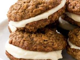 copy-cat-oatmeal-creme-pies1
