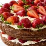 amazing-strawberry-brownie-cake