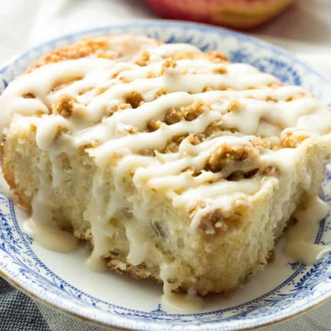 apple-crisp-cinnamon-buns-www-thereciperebel-com-1-of-1