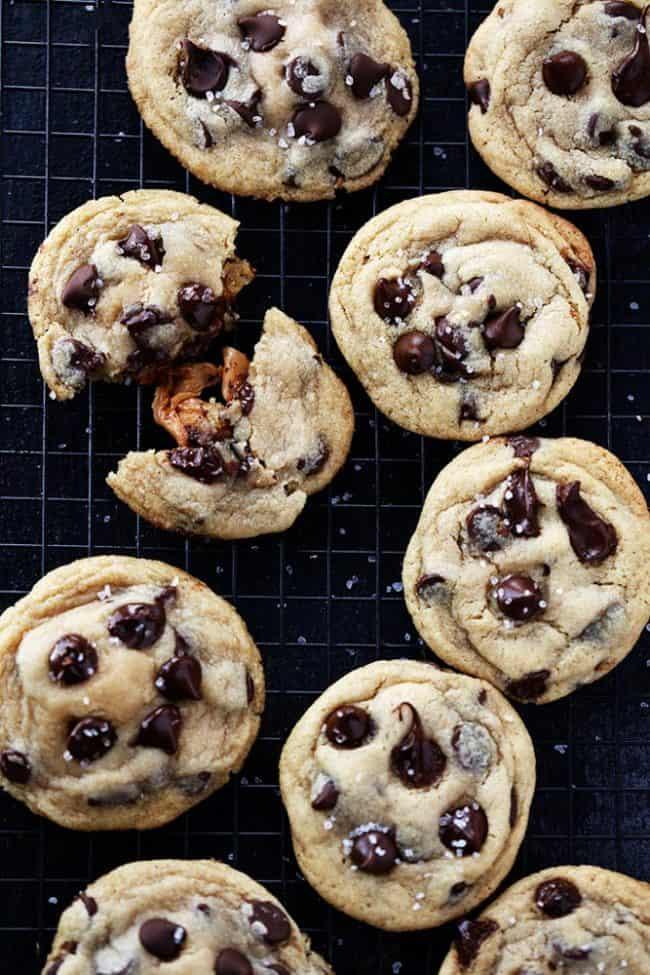 saltedcaramelchocolatechipcookies4