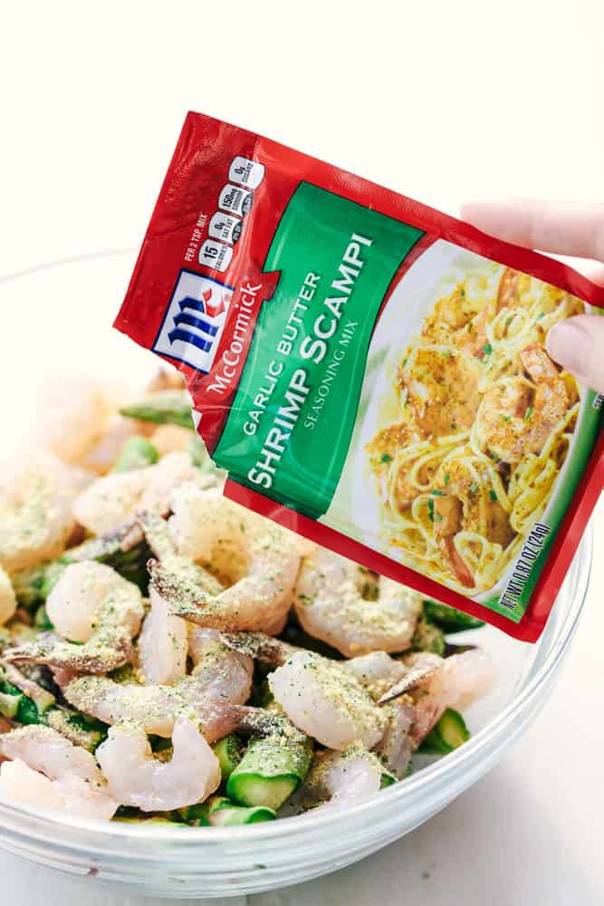 Garlic butter shrimp scampi seasoning mix in a packet.