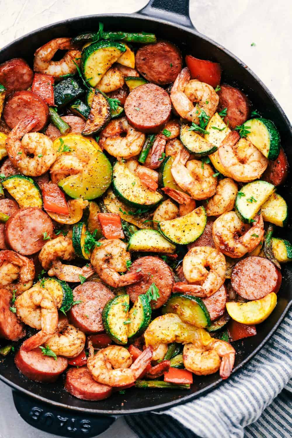 cajun shrimp and sausage vegetable skillet | the recipe critic