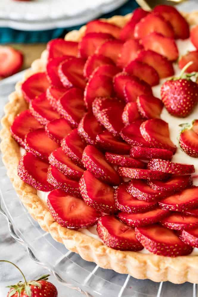 Close up of Strawberry Tart in a clear pie pan.