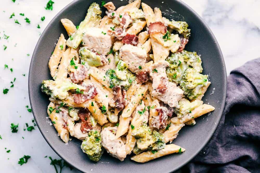 Cheesy Chicken Bacon And Broccoli Ranch Pasta The Recipe Critic