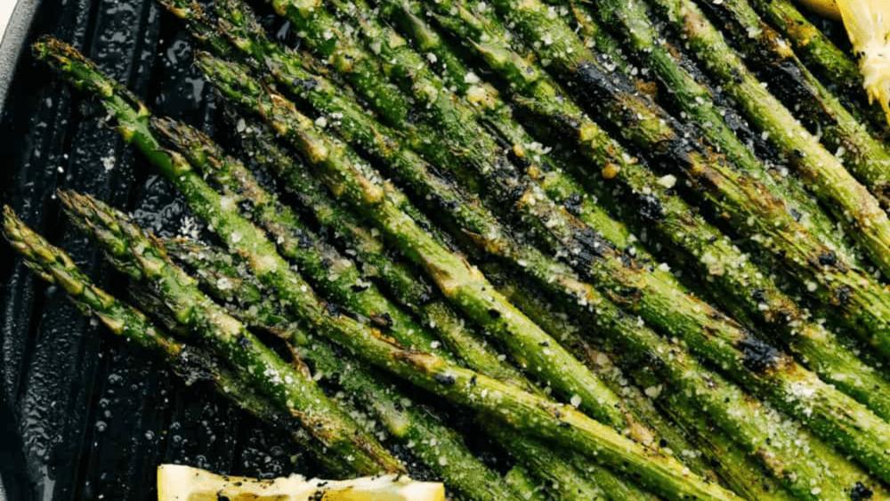 Grilled Asparagus Recipe (w/ Parmesan & Garlic)