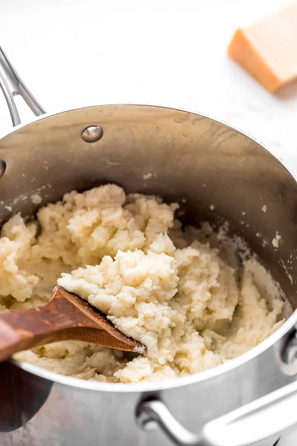 mashed cauliflower in a pot