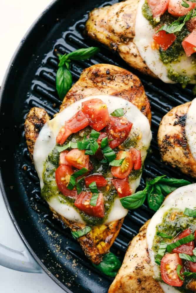 Chicken Margherita in a skillet.