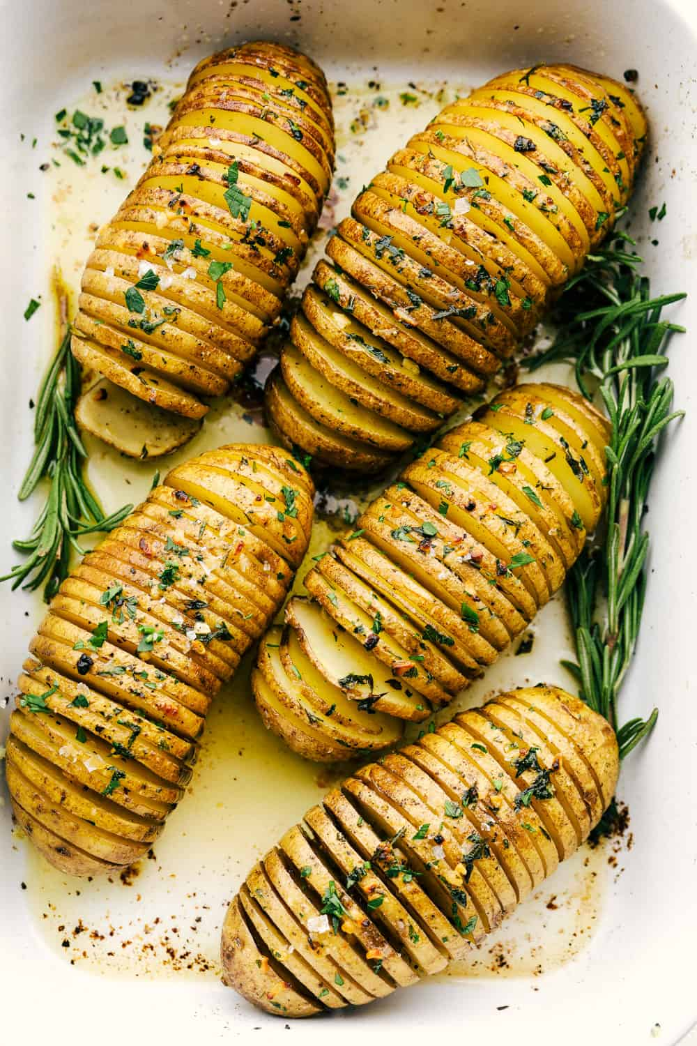 Perfectly cooked crispy seasoned Hasselback Potatoes