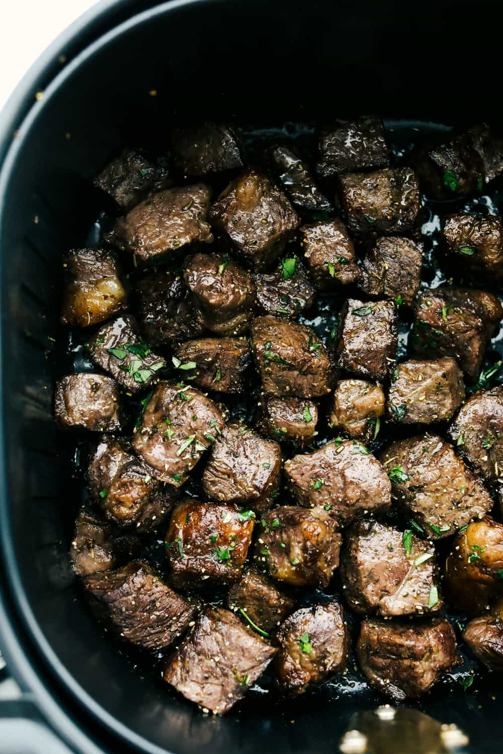 Perfectly seasoned, tender juicy steak bites in the air fryer.
