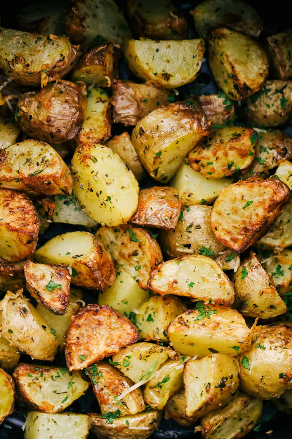 Perfectly roasted seasoned air fryer potatoes.