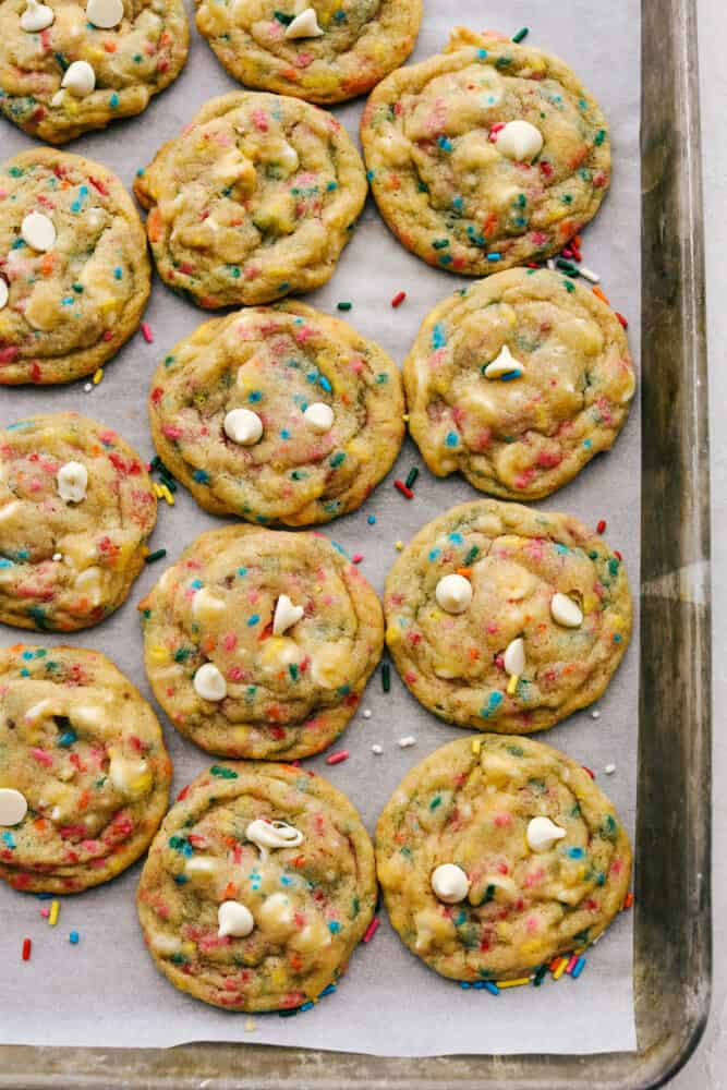 Baked cookies with white chocolate chips.
