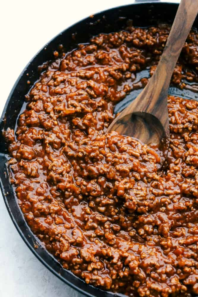 Finished sloppy joe mixture in a pan.