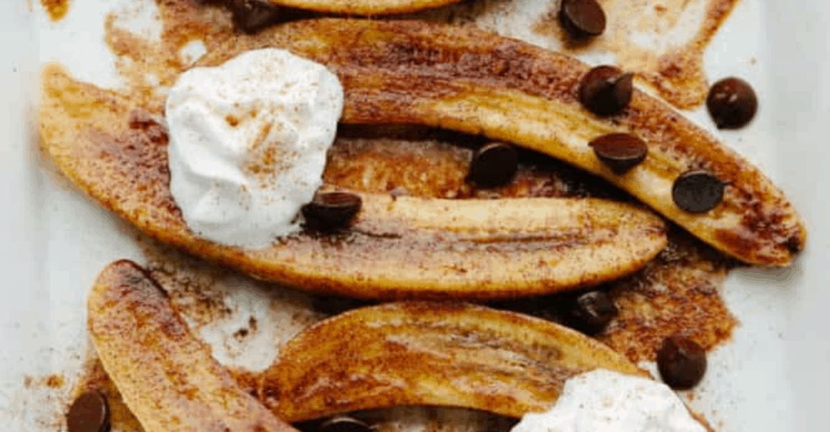 Simple and Delicious Baked Bananas