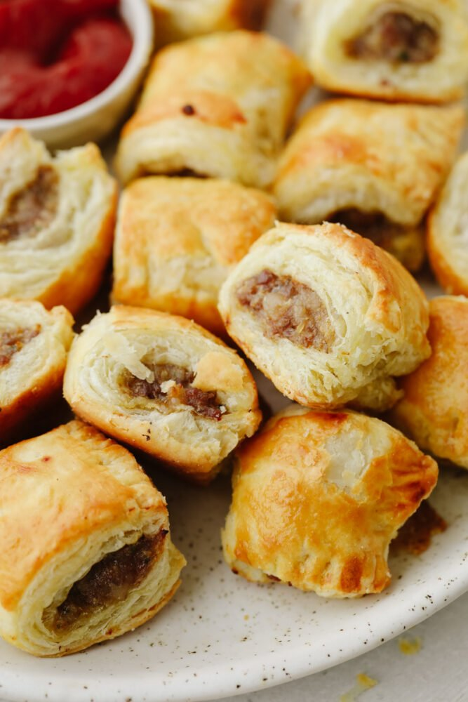 Zoomed in picture of sausage rolls.
